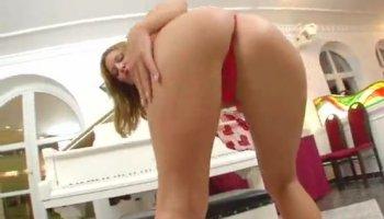 Big booty girlfriend bangs a stranger and cuck enjoys it